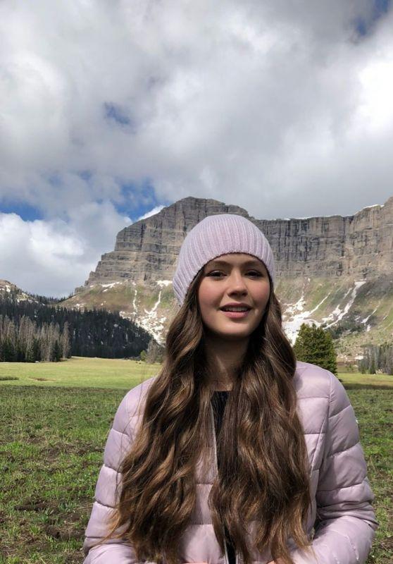 Olivia Sanabia - Social Media 07/11/2019