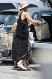 Olivia Wilde - Whole Foods Grocery Run in Los Angeles 07/17/2019