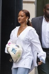 Rihanna Street Style 07/26/2019