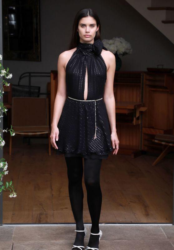 Sara Sampaio - Julie De Libran Show Haute Couture Fall/Winter 2019 2020 Show in Paris