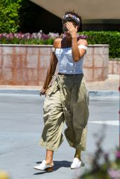 Sarah Hyland - Out in Los Angeles 07/14/2019