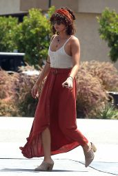 Sarah Hyland - Out in Studio City 06/29/2019