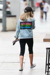 Sarah Michelle Gellar in Leggings - Out in LA 07/16/2019
