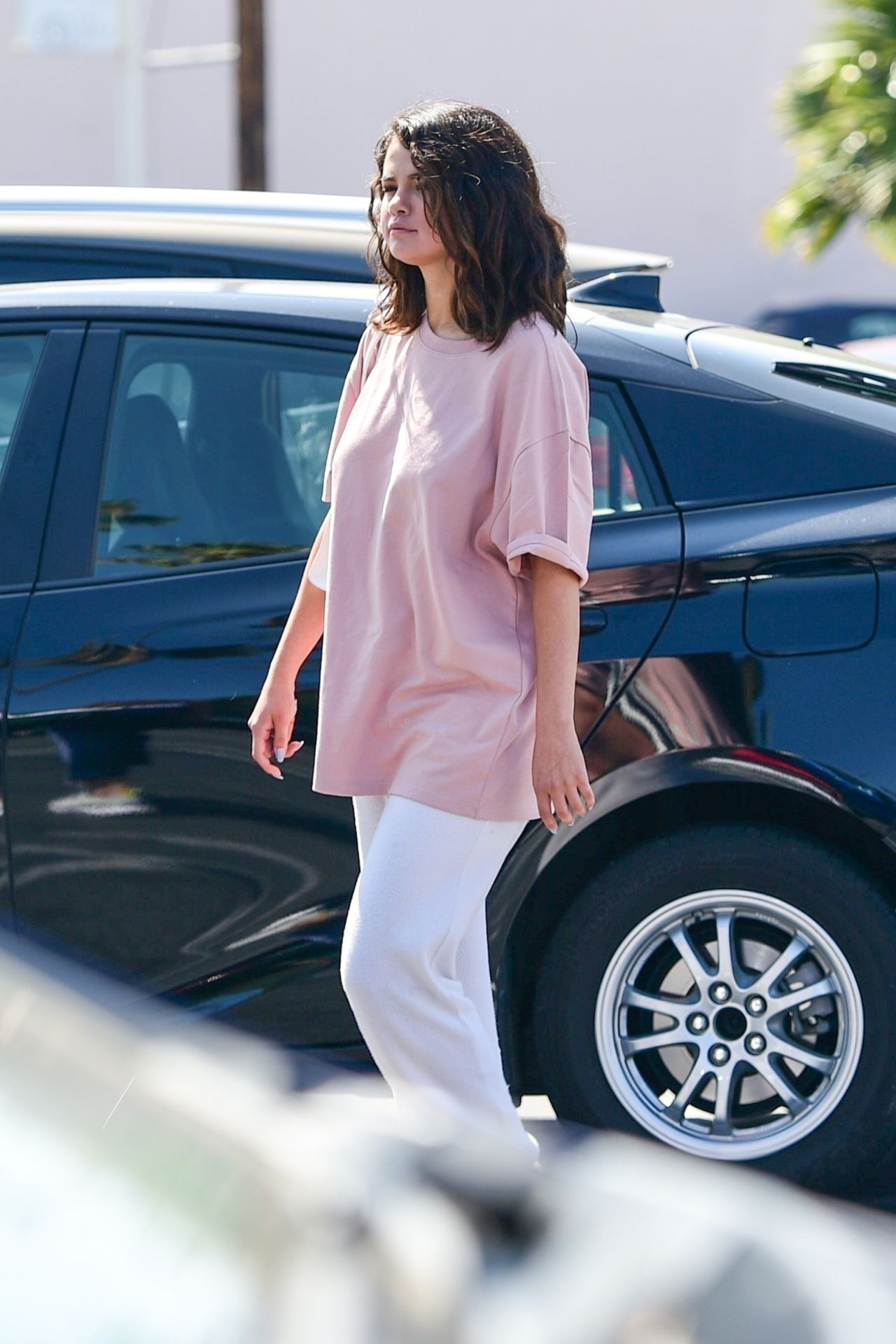 Selena Gomez Shopping In Los Angeles 07 05 2019