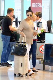 Shay Mitchell - Barcelona Airport 07/12/2019