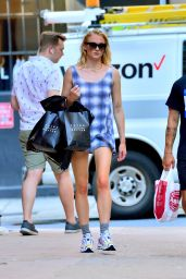 Sophie Turner - Shopping in NYC 07/29/2019