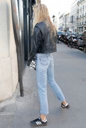 Stella Maxwell Street Style - Paris 07/01/2019