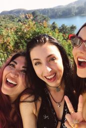 Victoria Justice - Social Media 07/08/2019