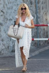 Victoria Silvstedt - Out in St-Tropez 07/12/2019