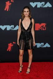 Alison Brie – 2019 MTV Video Music Awards in Newark