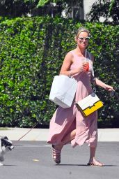 Brie Larson With Her Dogs - West Hollywood 08/12/2019