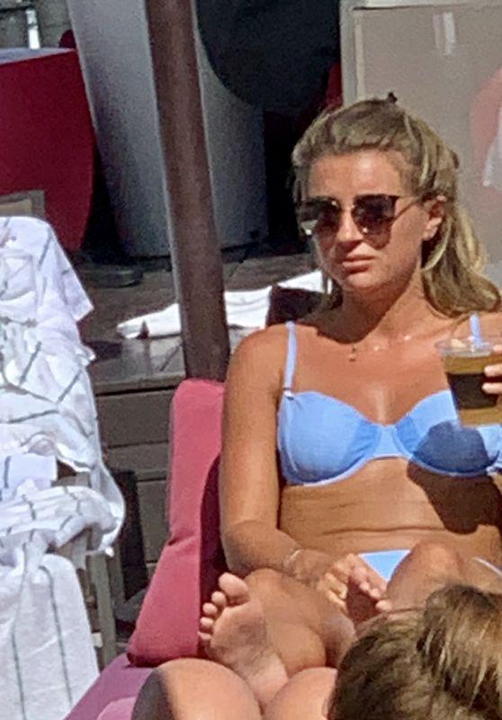 Dani Dyer in a Bikini - Sit by the Pool in Los Angeles 08/27/2019