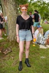 Eleanor Tomlinson - Veuve Clicquot Champagne Garden in Oxford 08/03/2019