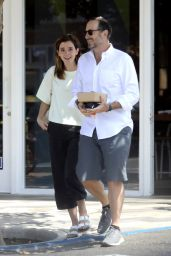 Emma Watson - Out for Lunch in Santa Monica 08/13/2019