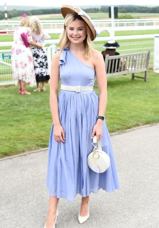 Georgia Toffolo - Celebrity Horserace in Chichester 08/01/2019