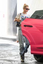 Hailey Rhode Bieber Street Style 08/29/2019