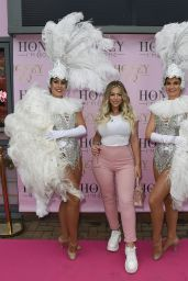 Holly Hagan – Honey Im Home Furiture Shop Launch in Leigh