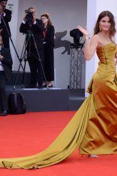 "Isabeli Fontana on Red Carpet – ""La Vérité"" Screening in Venice"
