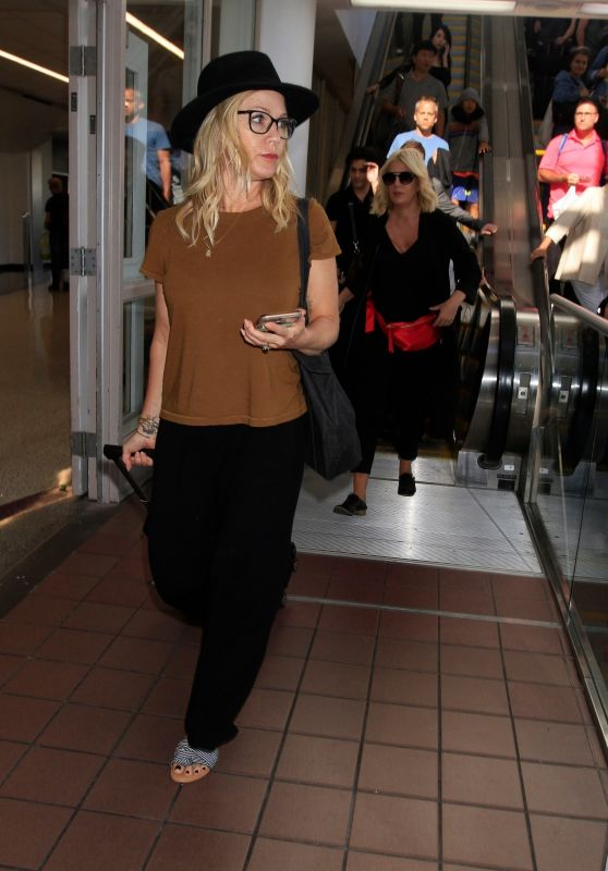 Jennie Garth -  LAX Airport in Los Angeles 08/07/2019