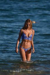 Kimberley Garner in a Bikini 08/12/2019