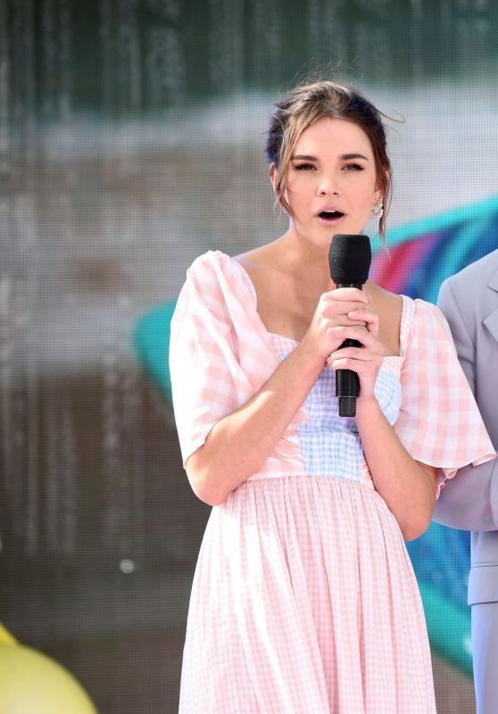 Maia Mitchell and KJ Apa - Speak Onstage During FOX