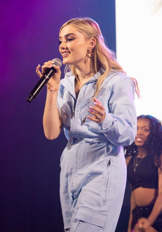 Meg Donnelly - Performs Live at the D23 Expo in Anaheim 08/25/2019
