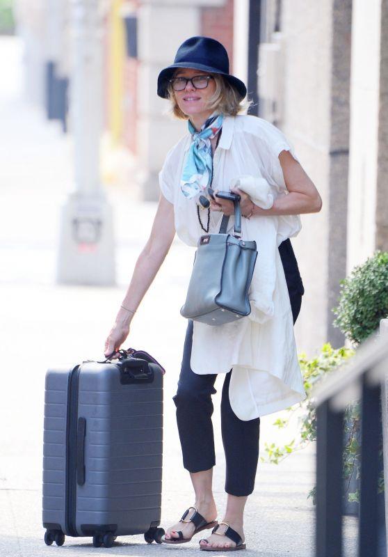Naomi Watts - Steps Out of Her Home With Luggage in NYC 07/29/2019