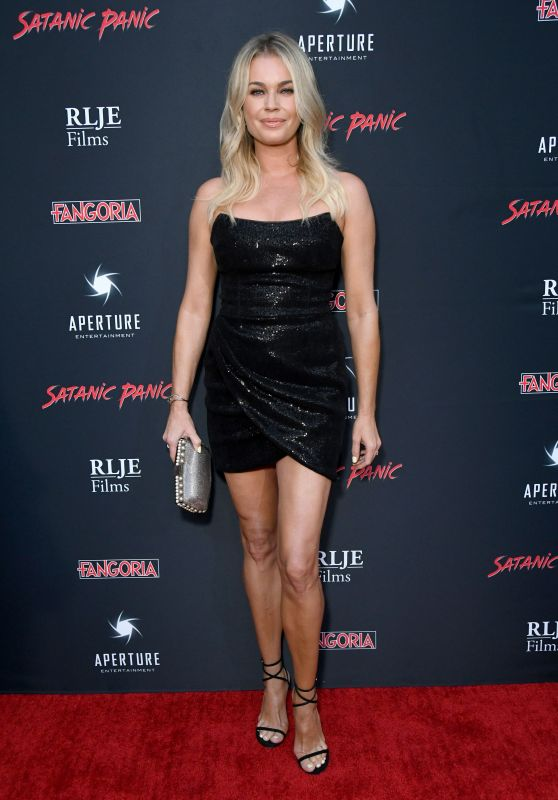 "Rebecca Romijn - ""Satanic Panic"" Premiere in Hollywood"