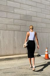 Rosie Huntington-Whiteley - Social Media 08/22/2019
