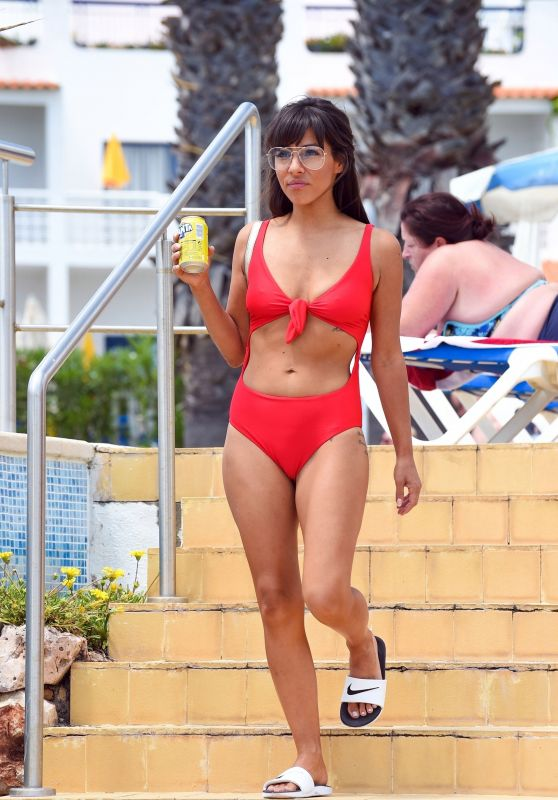 Roxanne Pallett in a Bikini at a New York Hotel, August 2019