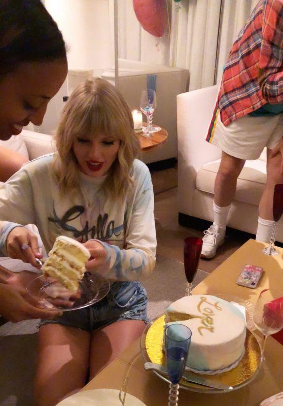 Taylor Swift - Personal Pics 08/23/2019