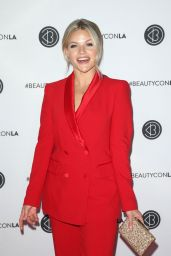Witney Carson – Beautycon Festival Los Angeles 2019