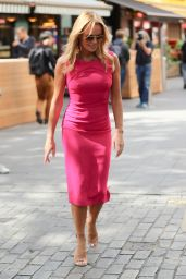 Amanda Holden in Figure-Hugging Hot Pink Dress 09/02/2019