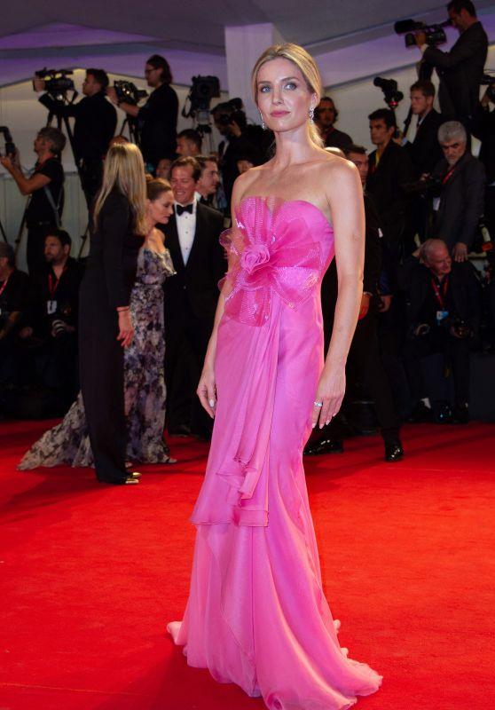 "Annabelle Wallis on Red Carpet – ""Seberg"" Screening at the 76th Venice Film Festival"