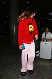 Bella Thorne Makeup Free - LAX Airport in LA 09/02/2019