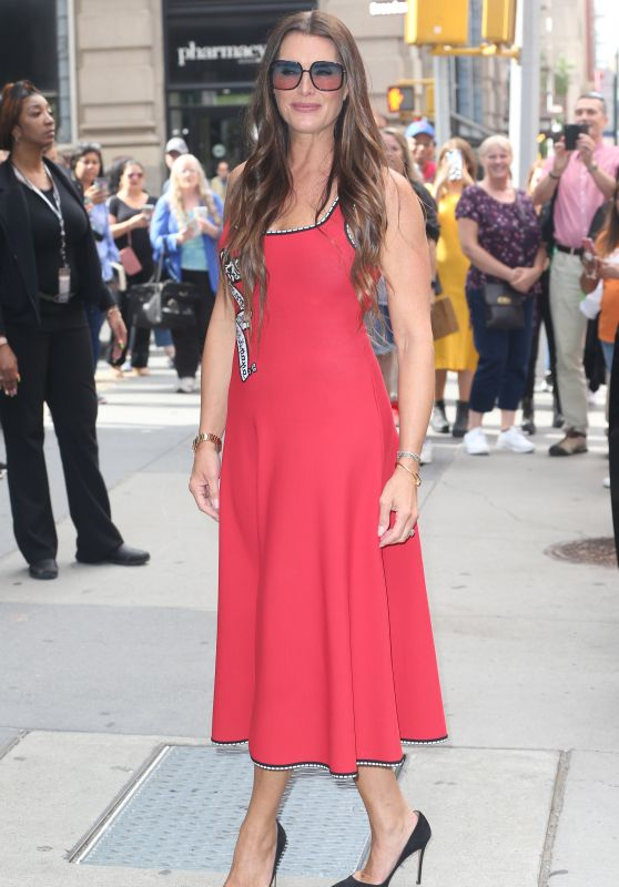 Brooke Shields - Outside BUILD Series in NYC 09/24/2019