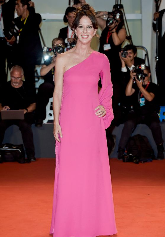 Caterina Guzzanti – Kineo Prize Red Carpet at the 76th Venice Film Festival