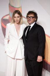 """Caterina Shulha – """"Vivere"""" Premiere at the 76th Venice Film Festival"""