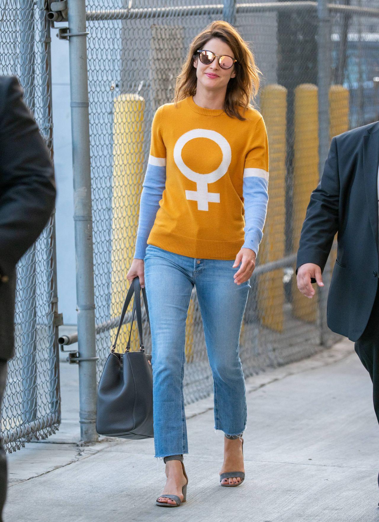 Cobie Smulders Street Style 09 25 2019