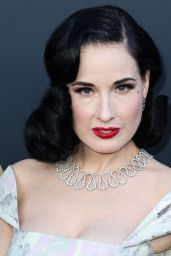 Dita Von Teese – Comedy Central Roast of Alec Baldwin in LA
