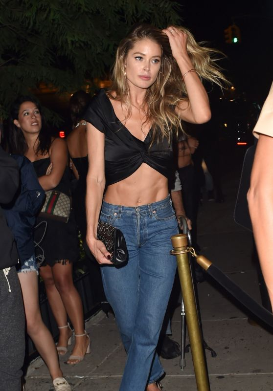 Doutzen Kroes in a Blue Jeans Out in New York City 09/08/2019