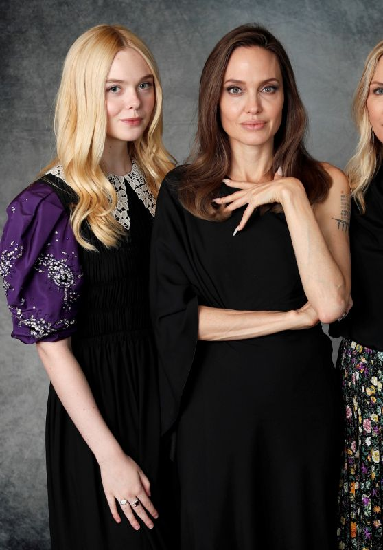 Elle Fanning Angelina Jolie And Michelle Pfeiffer