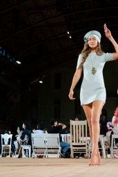 Gigi Hadid – Marc Jacobs Spring 2020 Runway Show in NY 09/11/2019