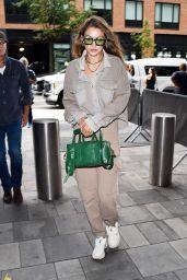 Gigi Hadid Street Style 09/10/2019