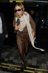 Gigi Hadid Style - Out in London 09/16/2019