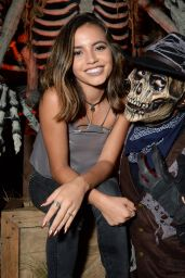 Isabela Moner – Knott's Scary Farm in Buena Park 09/27/2019
