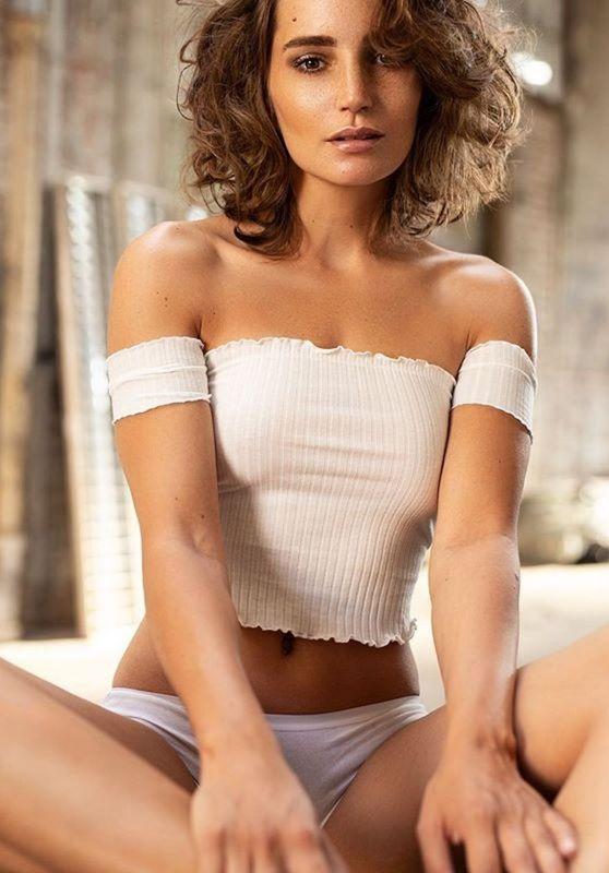 Janina Schiedlofski -Photoshoot July 2019