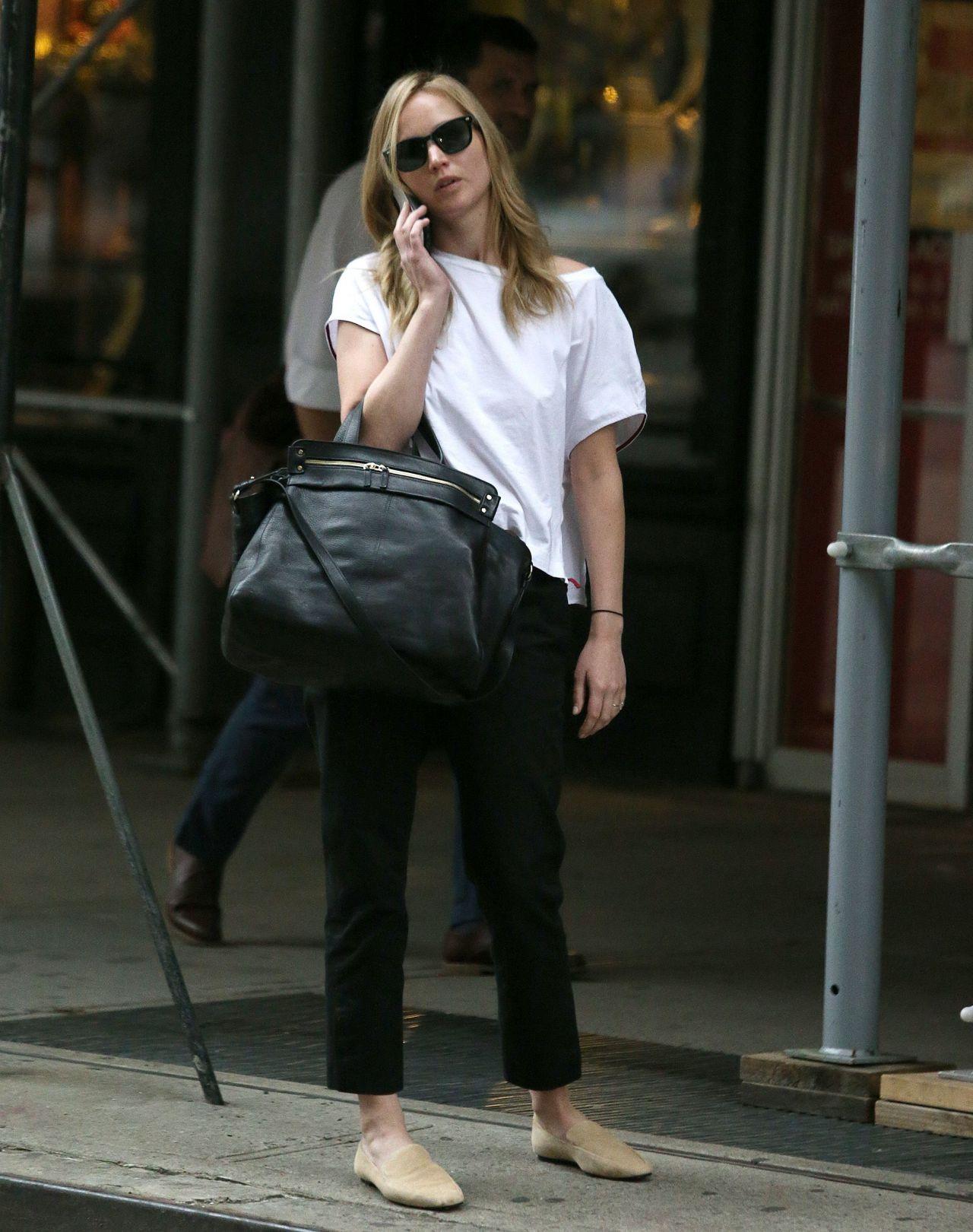 Jennifer Lawrence Street Style - NYC 09/05/2019