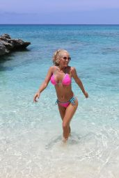 Jenny McCarthy in a Bikini on Holiday in Turks and Caicos 08/31/2019