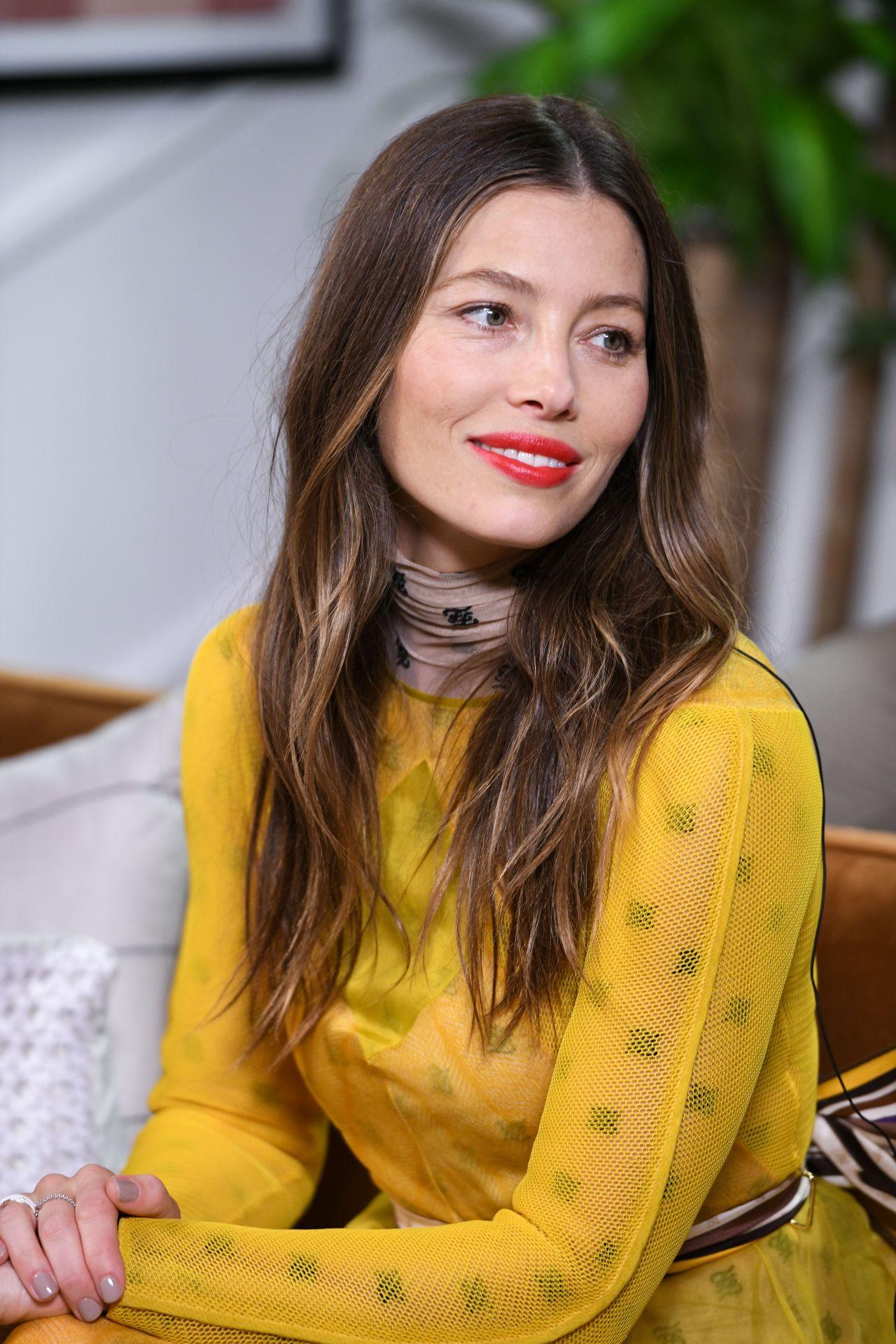 Jessica Biel gorgeous in yellow dress, She is so pretty :)